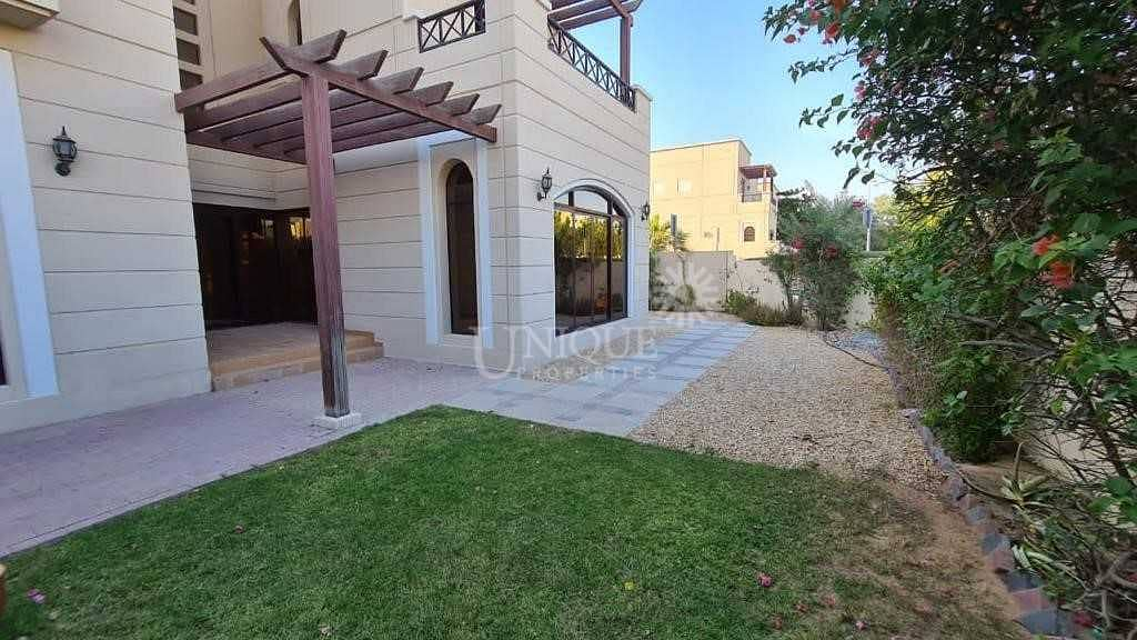 Well Maintained Villa | Private Landscaped Garden