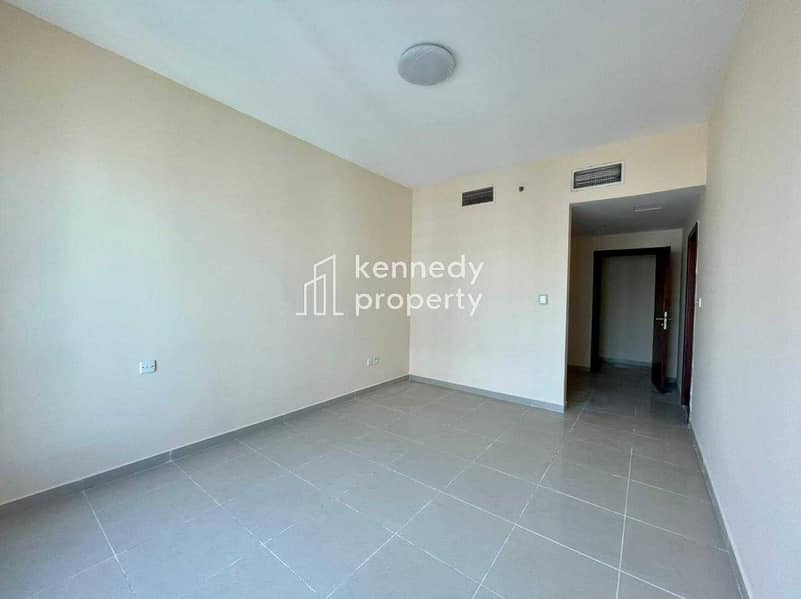 2 Well Maintained I Spacious I Vacant on Transfer
