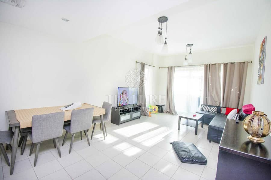 Motivated Seller | 1 Bedroom Apartment + Study | Rented