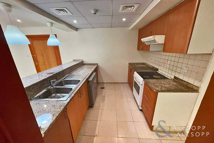 2 1 Bedroom Apartment | Pool Facing | Vacant