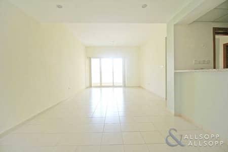 1 Bedroom Flat for Rent in The Greens, Dubai - 1 Bedroom | Inside Facing | Chiller Free