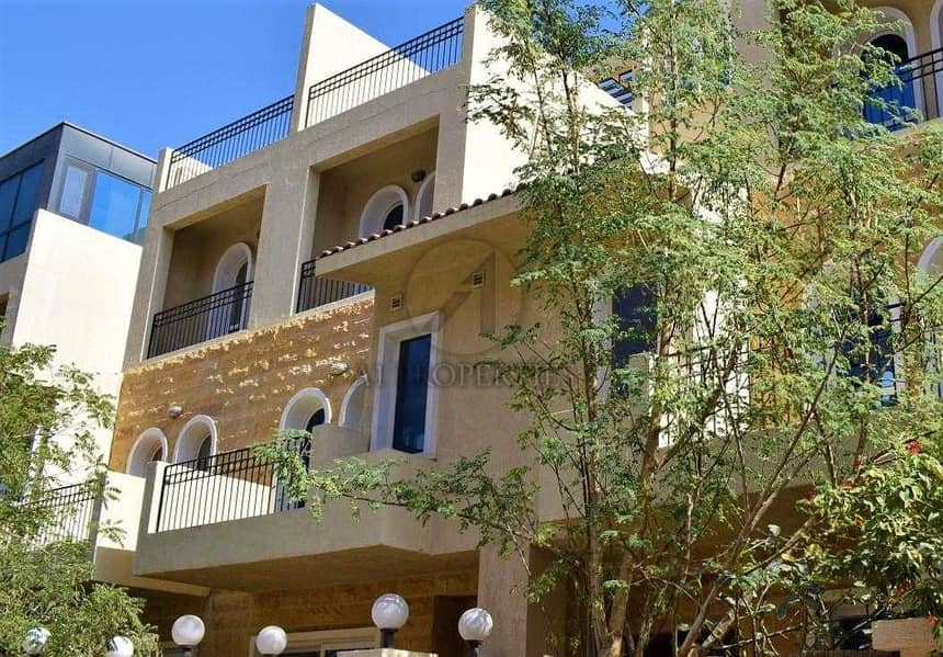Modern Style 4 BR Townhouse plus Maid Room in JVC
