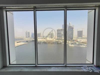 مکتب  للبيع في الخليج التجاري، دبي - Lake View Shell and Core Office Available