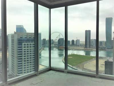 مکتب  للبيع في الخليج التجاري، دبي - Shell and Core Lake View Office Available