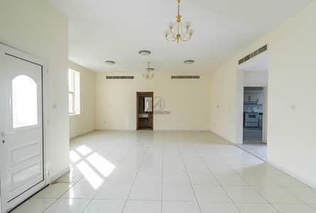 فیلا 3 غرف نوم للايجار في القرهود، دبي - Spacious Villa With Private Pool and Garden | Garhoud