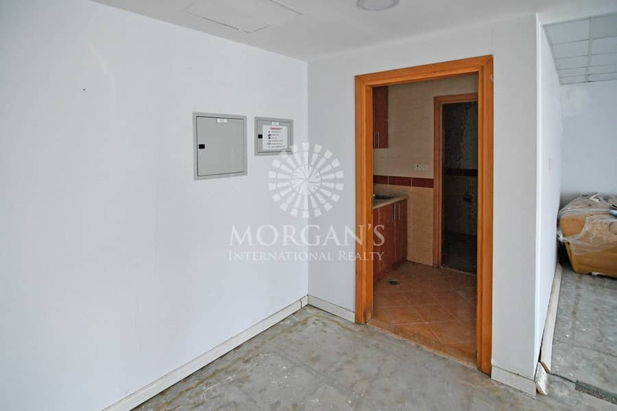 11 Ready to move in High Floor office for rent