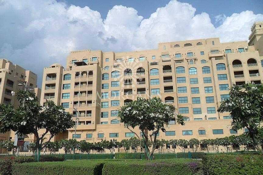 Luxurious I Community View I Large Layout
