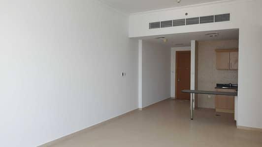 شقة 1 غرفة نوم للايجار في الخليج التجاري، دبي - Spacious 1 Bed | Lake View | Multiple cheques
