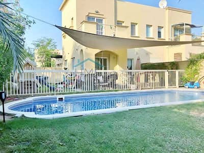 فیلا 2 غرفة نوم للايجار في الينابيع، دبي - Full Lake View - Type 4 E - Private Pool