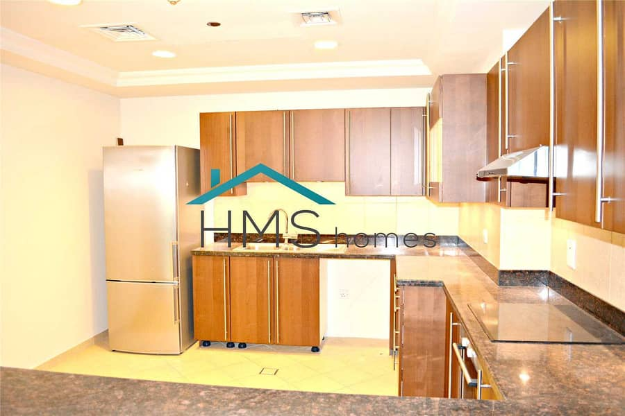 2 1 bed | 3 floors | Townhouse close to the Mall