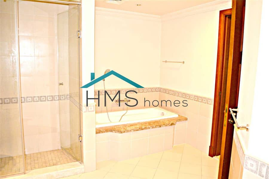 15 1 bed | 3 floors | Townhouse close to the Mall