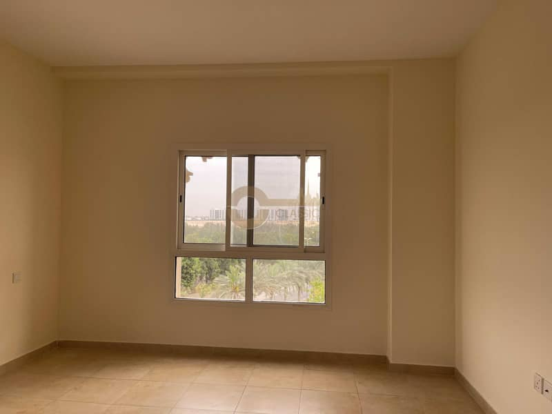 2 Spacious 1 bedroom| Closed kitchen| Inner circle