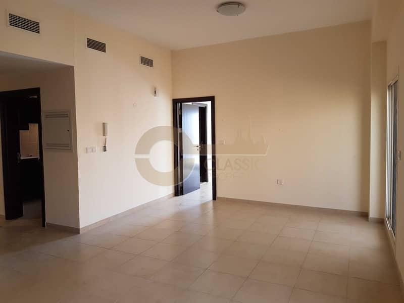 Best Price  Closed kitchen  Large 1BR 