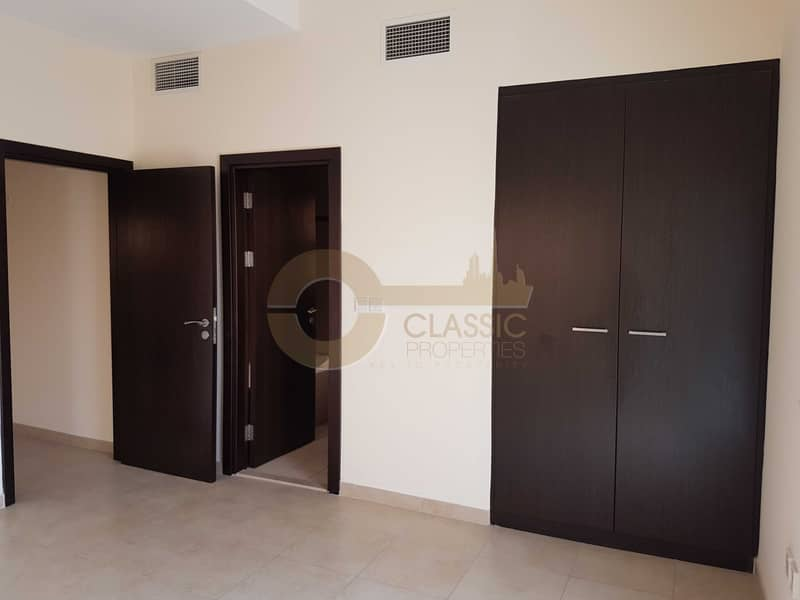 2 Best Price  Closed kitchen  Large 1BR 
