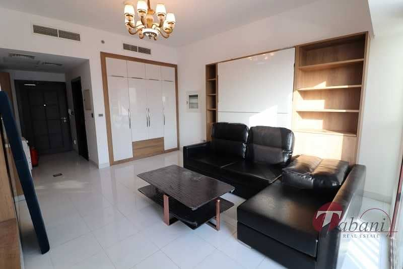 Huge layout| Near new metro Station| Chiller free