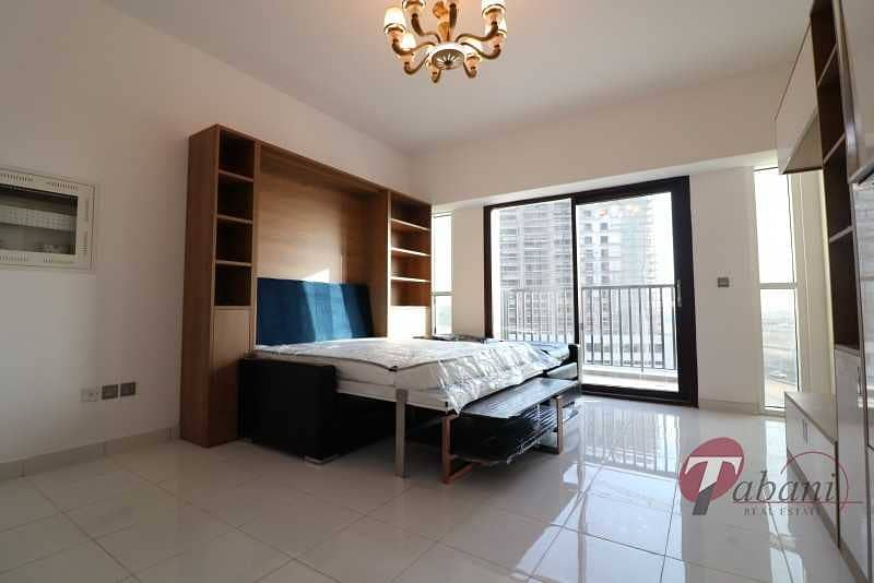 2 Huge layout| Near new metro Station| Chiller free