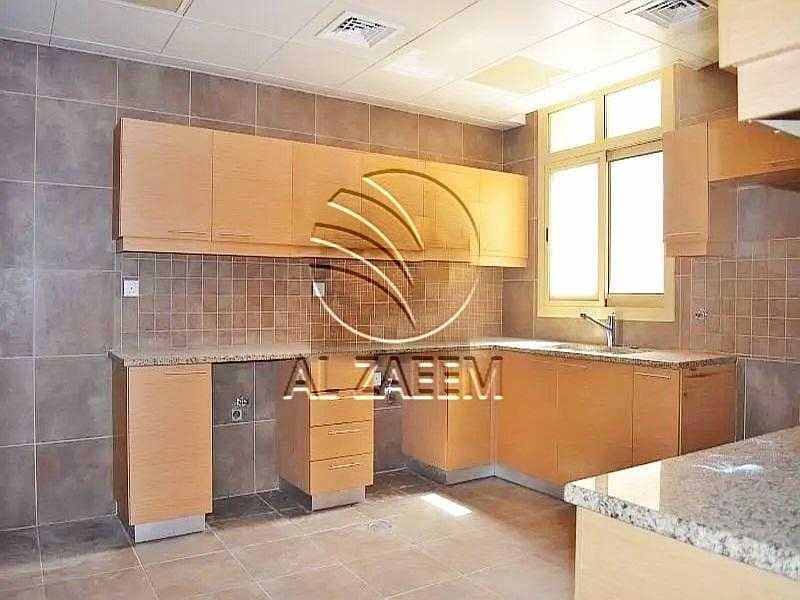 11 Newly Listed Property! A Townhouse In Secure Community