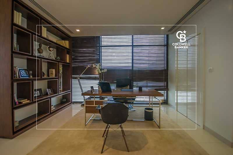 Luxurious Design I Large Plot I Full Greenery View