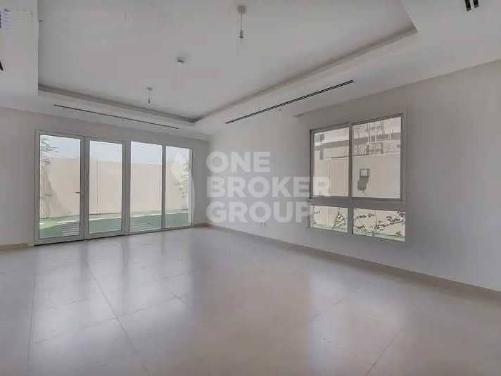 2 Top Location   Type 4D4   End Unit   Vacant Soon