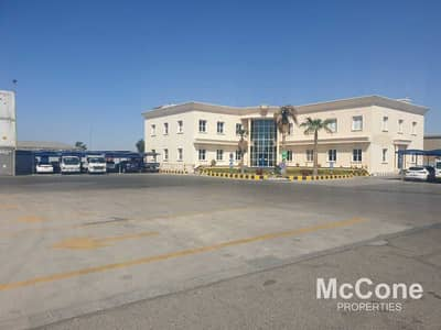 مکتب  للايجار في رأس الخور، دبي - Well Maintained Office in a Prime Location