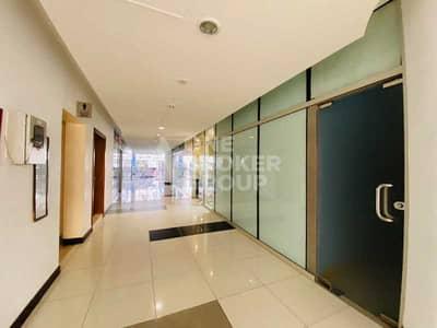 محل تجاري  للايجار في برشا هايتس (تيكوم)، دبي - Spacious Retail Shop with panoramic windows