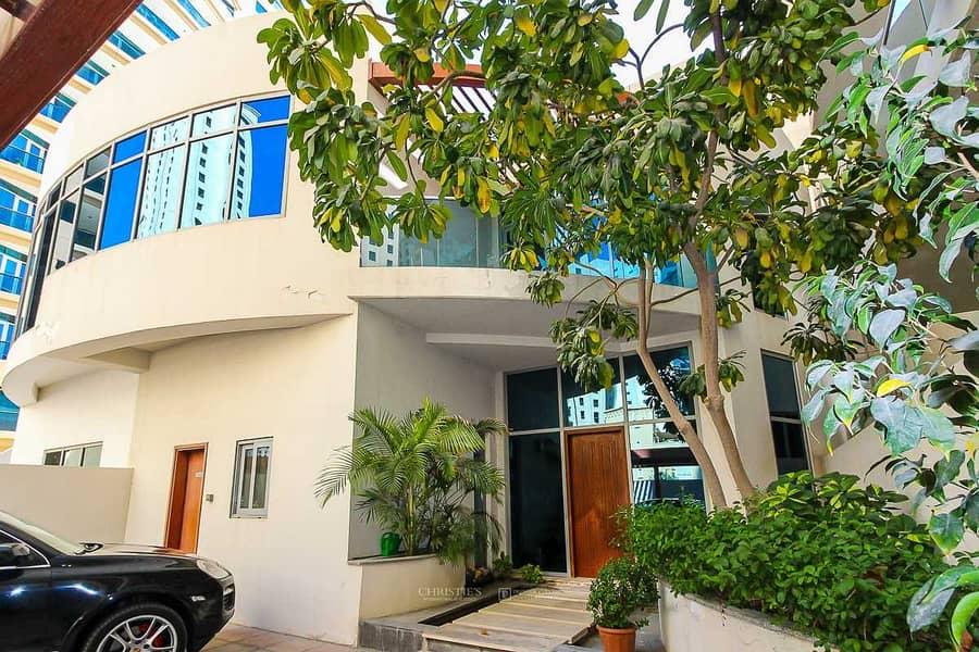 17 4 Bed Duplex Villa | Private Pool and Marina View