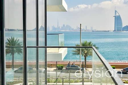 1 Bedroom Apartment for Sale in Palm Jumeirah, Dubai - Vacant on Transfer | Middle Floor | Sea View