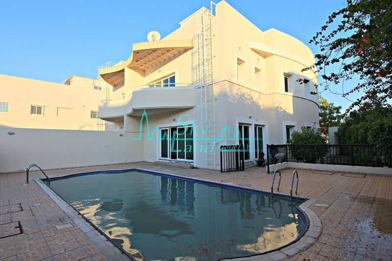Lovely 4 Bed+M Villa With A Private Pool