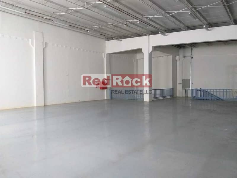2 956Sqft  Air Conditioned Warehouse With Lift In Nad Al Hamar