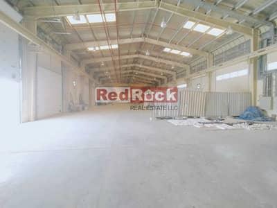 مستودع  للبيع في مجمع دبي الصناعي، دبي - Independent Warehouse With Huge Open Land & Crane Facility In DIC