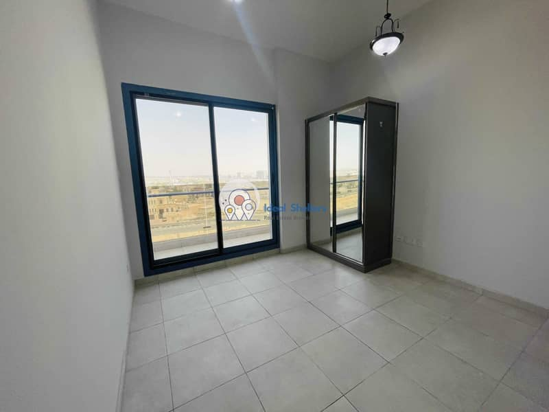cheapest 2bhk in al warqaa  just 34k with 2 big balcony covered parking 30 days free