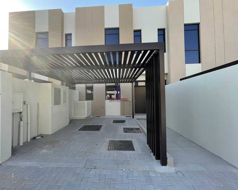 19 Lavish (2 Bed + Mad Room) Townhouse | Easy payments