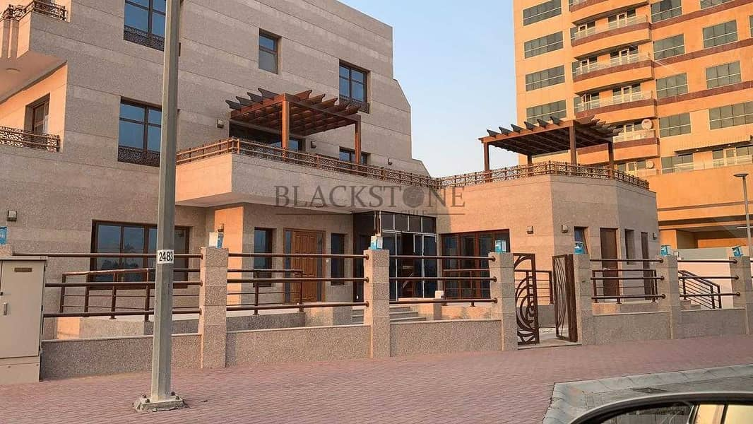 STUNNING  5BR+MAID'S ROOM AT AL BARSHA SOUTH FOR REASONABLE PRICE TO BUY