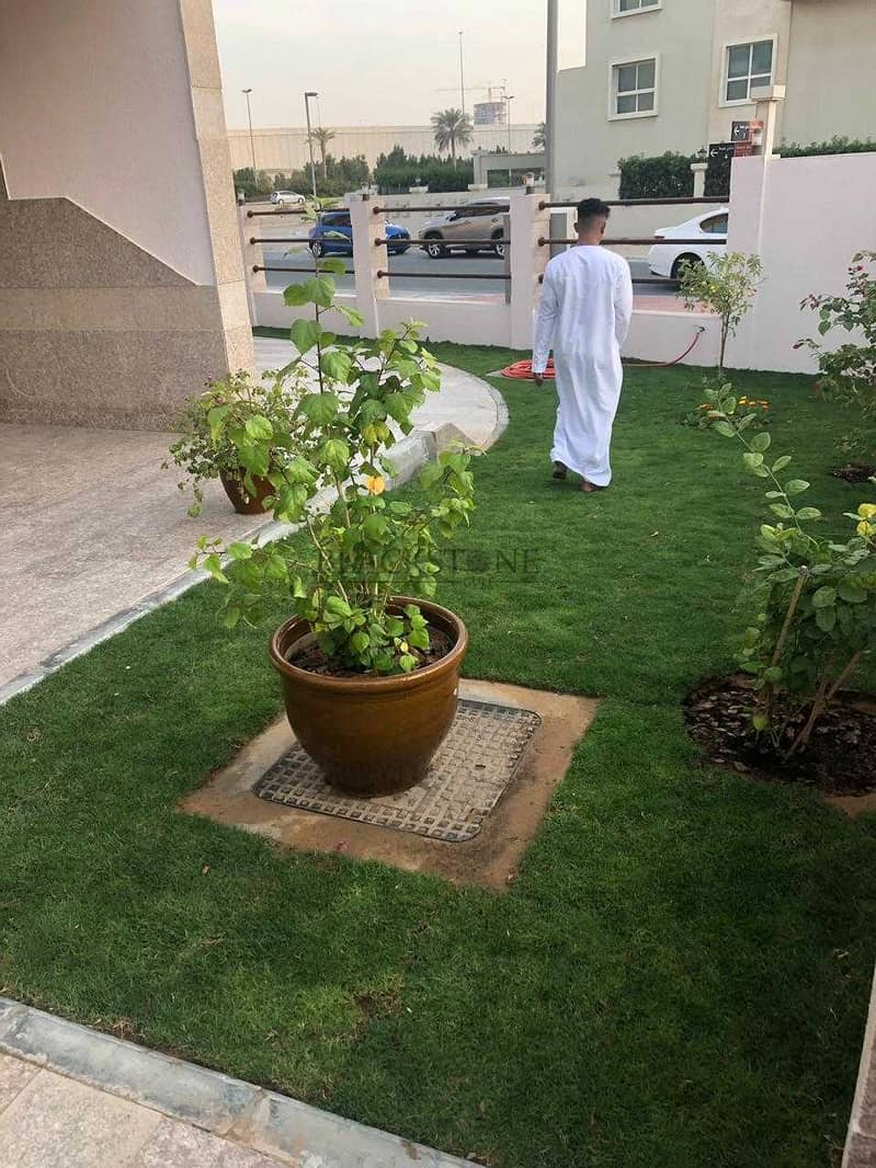 10 STUNNING  5BR+MAID'S ROOM AT AL BARSHA SOUTH FOR REASONABLE PRICE TO BUY