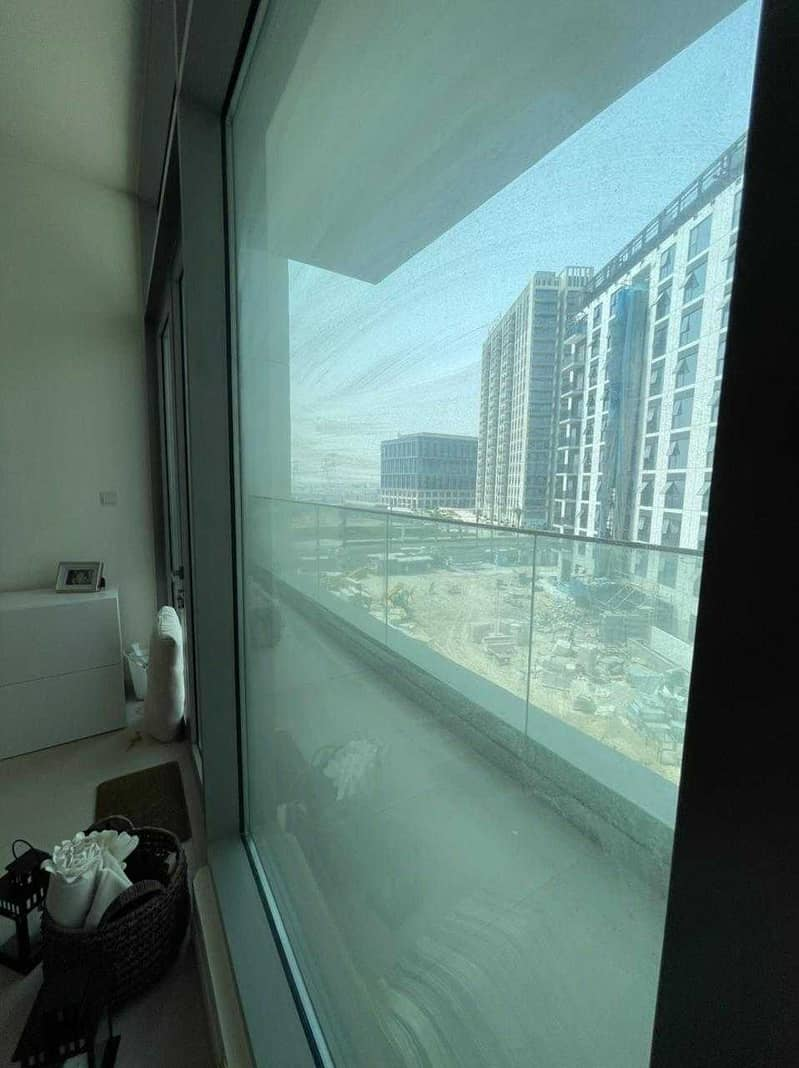2 2 BR - POOL VIEW- VACANT