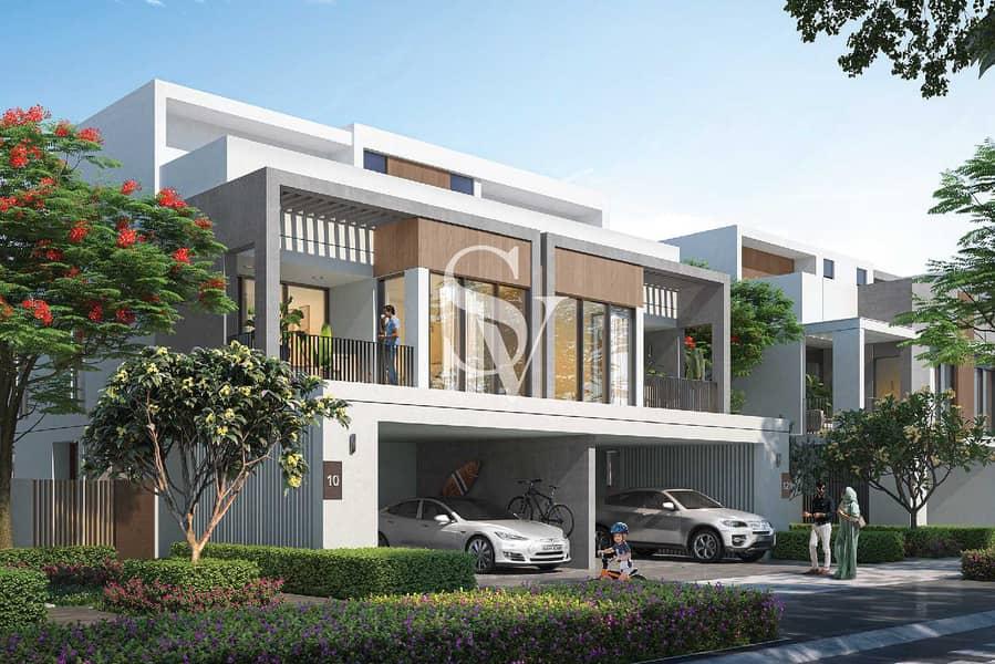 Luxury Waterfront Living | 4BR+Garden Suite
