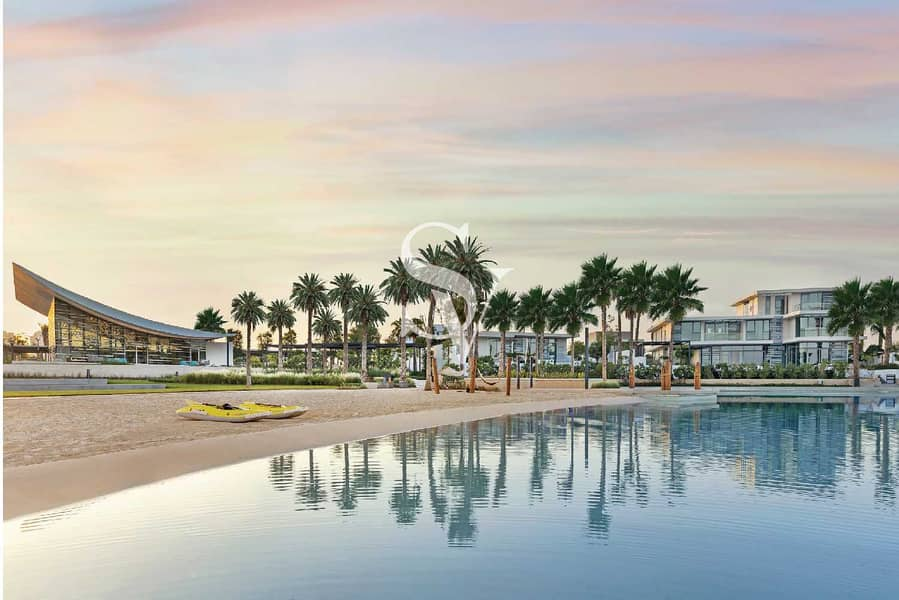 17 Luxury Waterfront Living | 4BR+Garden Suite