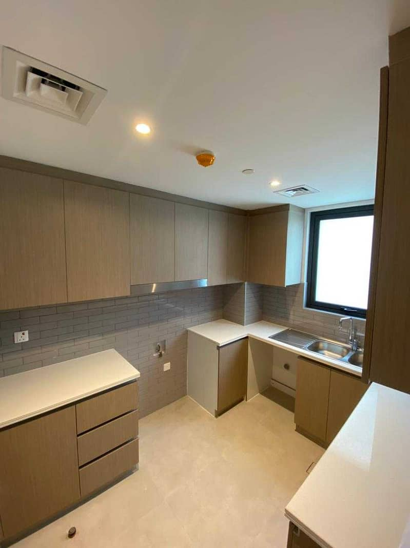 22 Spacious 3BHK   Good Offer   Call Now !!!!