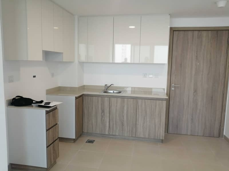 10 Brand New | Higher floor | Pool view | 1 Month free