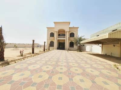 5 Bedroom Villa for Rent in Al Suyoh, Sharjah - Excellent gorgeous 5br villa in al suyoh 20ksqft rent 150k