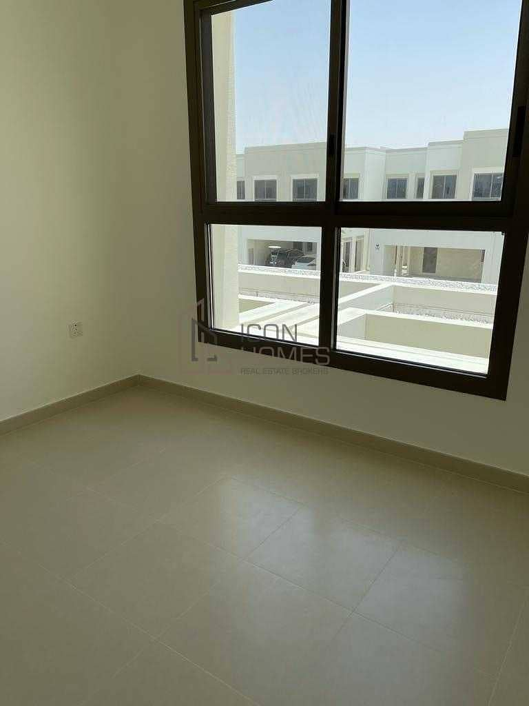 Type 01 |3BR +Maids |Single Row| Rented