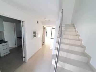 فیلا 2 غرفة نوم للايجار في الطي، الشارقة - فیلا في نسمة ريزيدنس الطي 2 غرف 60000 درهم - 5040175