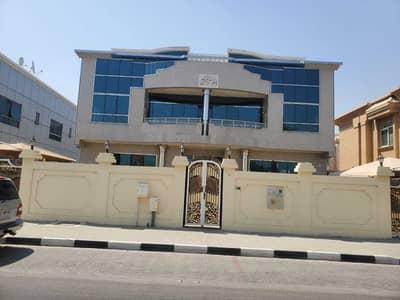 فیلا 6 غرف نوم للايجار في الرملة، الشارقة - فیلا في الرملة 6 غرف 140000 درهم - 5119187