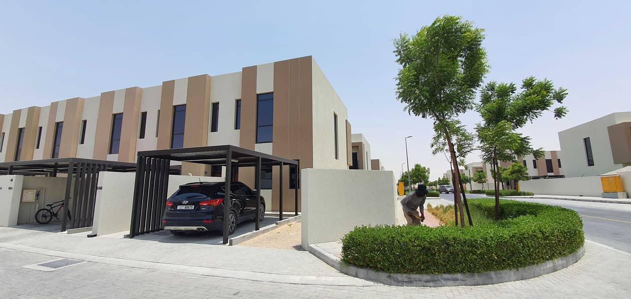 Modern design*The most luxury corner 2bedroom+maidsroom townhouse 2100sqft rent 60k in 1chqs ( both master room ) in nasma area