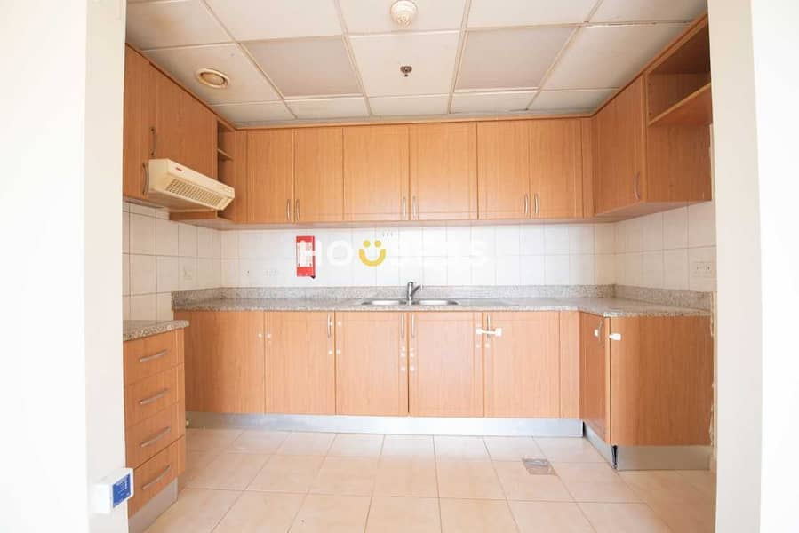 9 Spacious 1 bedroom apartment with balcony