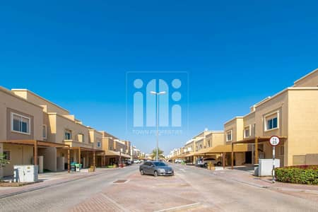 3 Bedroom Villa for Sale in Al Reef, Abu Dhabi - Single Row |Well Maintained Villa |Rent Refundable