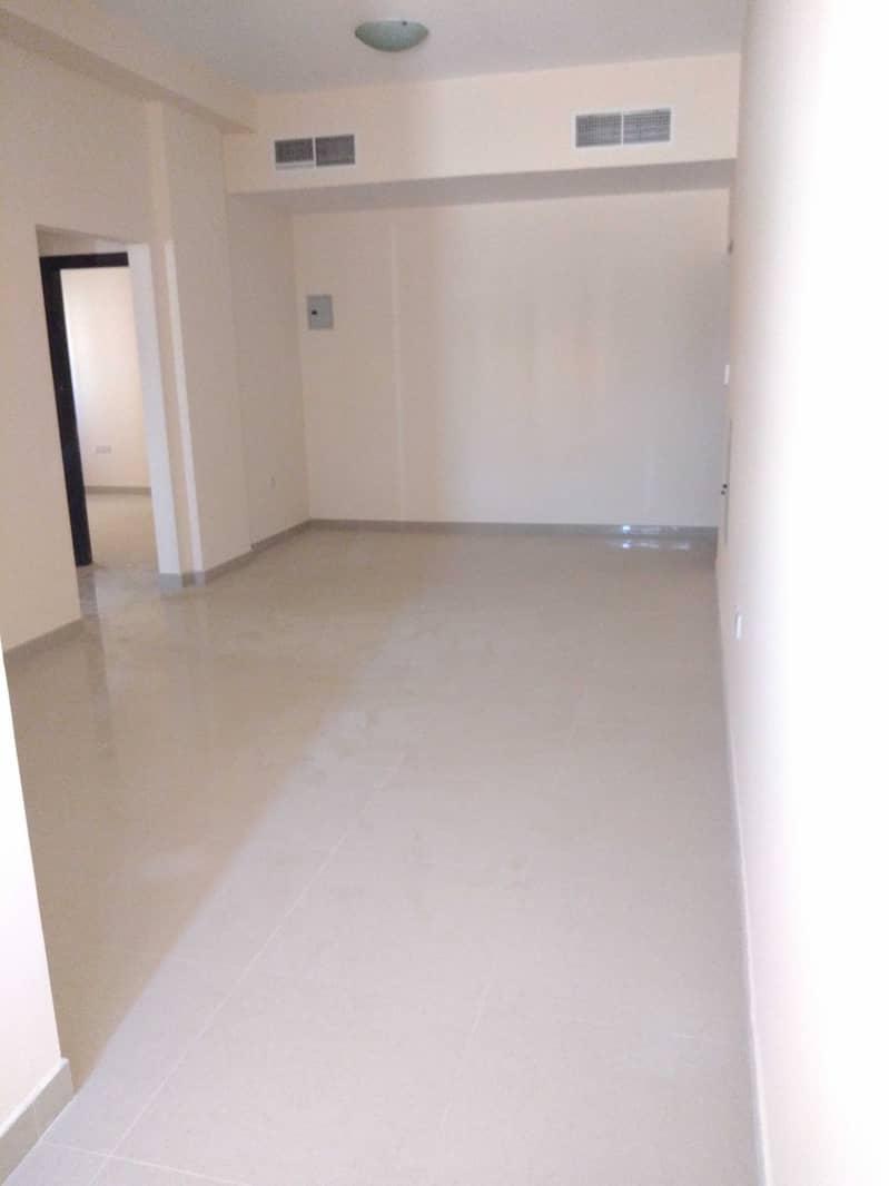 شقة في مبنى مويلح مويلح 2 غرف 27999 درهم - 5093590