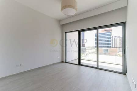 2 Bedroom Apartment for Rent in Business Bay, Dubai - Spacious 2-Bedroom with Balcony in Business Bay . .