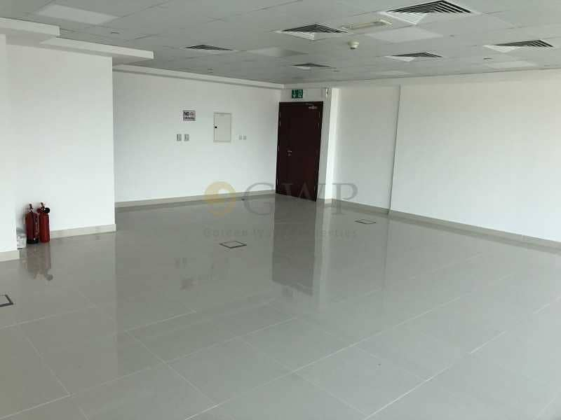 Fitted office with SZR and Golf course view