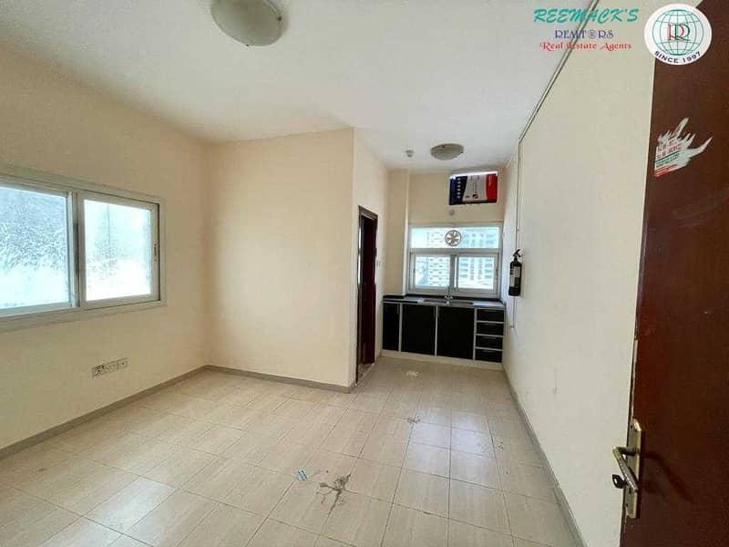 Studio Flat in Al Nabbah area opposite Dubai Islamic Bank